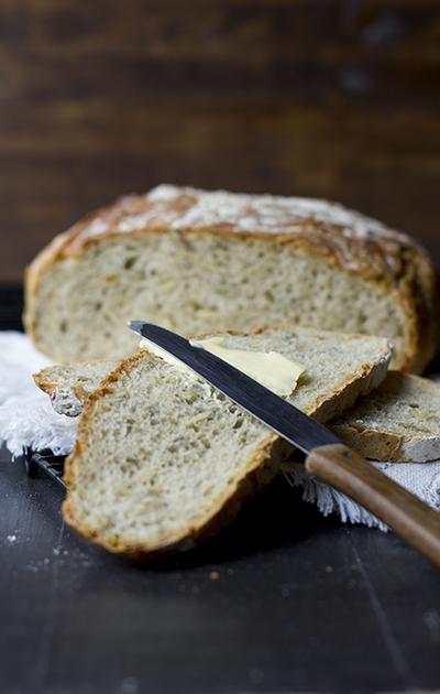 Eltefritt speltbrød med gresskarkjerner